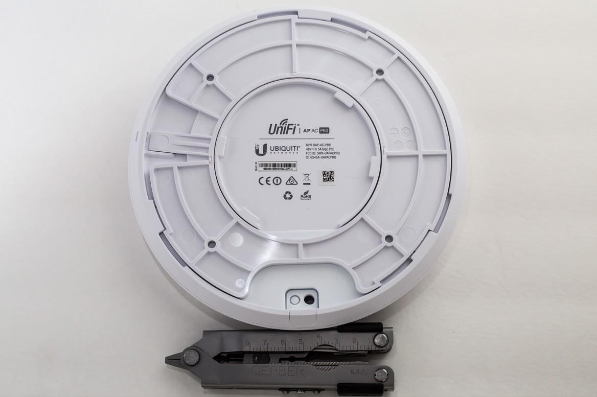 UAP-AC-PRO, вид с обратной стороны