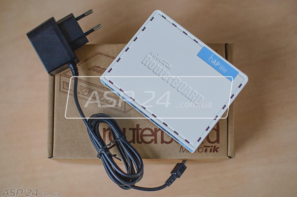 Рис. 1. Mikrotik hAP Lite - домашняя точка доступа 4 порта Ethernet и питание по USB.