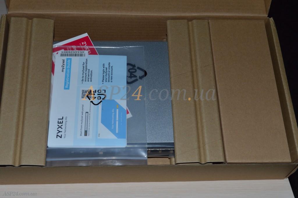 Внутри коробки Zyxel ZyWALL ATP200